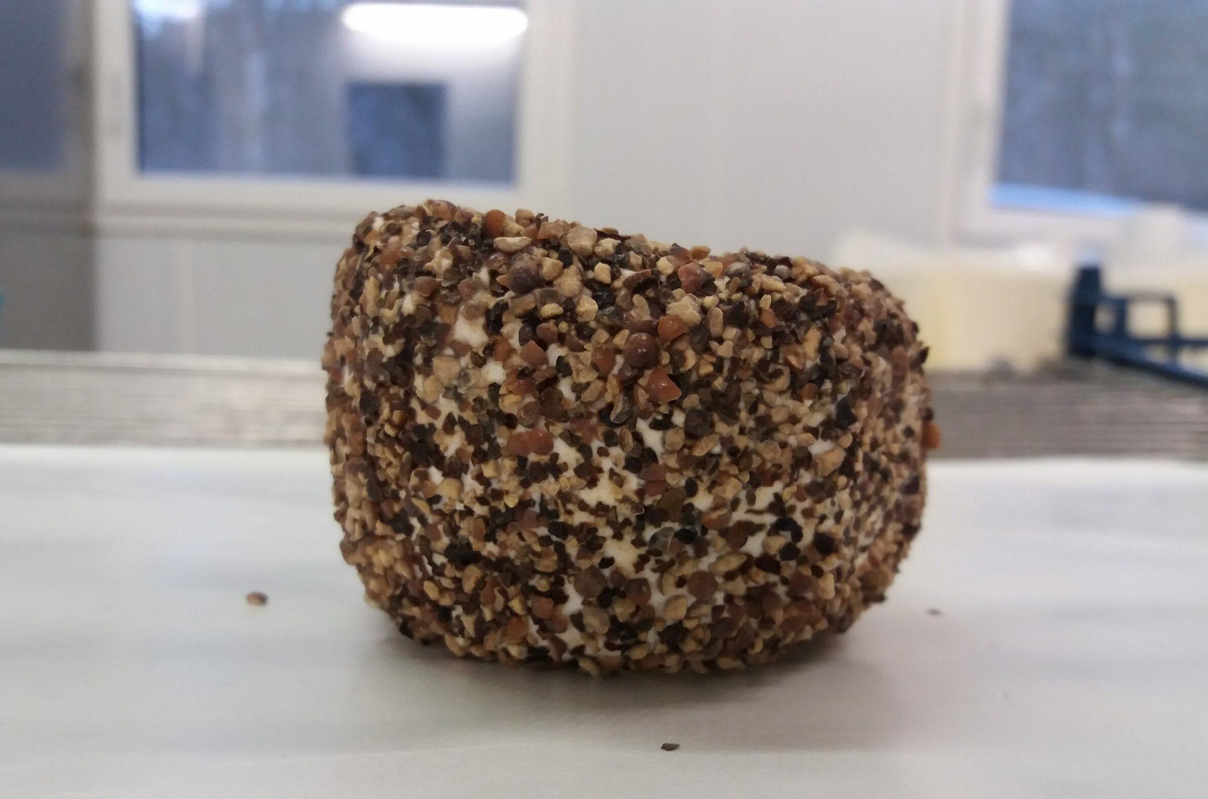 Photo du crottin aromatisé au poivre